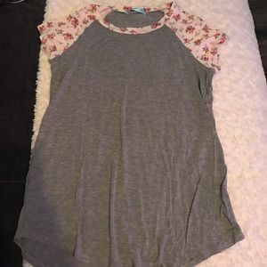 Floral sleeve baseball tee, size m, never worn.